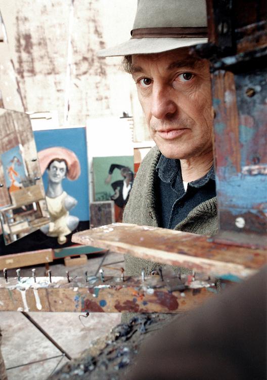Gérard Garouste, né le 10 mars 1946 à Paris, est un écrivain, peintre, graveur et sculpteur français. Gérard Garouste est le mari de la designer Elizabeth Garouste.<br /> Marcilly-sur-Eur, 2002