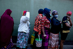 May 15, 2020, Pretoria, Gauteng, South Africa: More than thousands turn up in search for food as soon as they heard about the food distribution at Pretoria central, South Africa on 15th May 2020 (Credit Image: © Manash Das/ZUMA Wire)