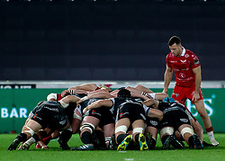 Gareth Davies of Scarlets at the scrum<br /> <br /> Photographer Simon King/Replay Images<br /> <br /> Guinness PRO14 Round 11 - Ospreys v Scarlets - Saturday 22nd December 2018 - Liberty Stadium - Swansea<br /> <br /> World Copyright © Replay Images . All rights reserved. info@replayimages.co.uk - http://replayimages.co.uk