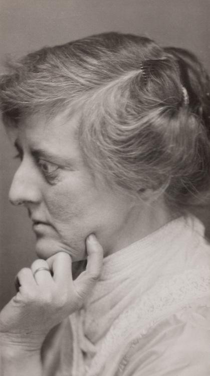 Mary Webb, novelist, 1923