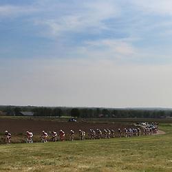 Kopgroep op de flanken van de Zonneberg tijdens de 59e ronde van Overijssel