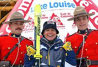 Alpint, 29.11.2001 Lake Louis, Kanada,<br />Die Italienerin Isolde Kostner jubelt nach ihrem Sieg am Donnerstag (29.11.2001) beim der Ski Alpin Weltcup Abfahrt der Damen in Lake Louis, Kanada.<br />Foto. Digitalsport