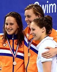 10-04-2014 NED: NK Swim Cup, Eindhoven<br /> Wendy van Zanden, Femke Heemskerk en Marjolein Delno, 200m wissel