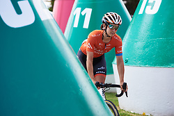 Sara Bergen (CAN) weaves through the buoys to sign on at Deakin University Elite Women Cadel Evans Road Race 2019, a 113 km road race starting and finishing in Geelong, Australia on January 26, 2019. Photo by Sean Robinson/velofocus.com