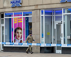 Bomb disposal investigate Suspect Package in Princes Street, Edinburgh, 7 March 2019