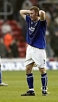 Photo. Aidan Ellis.<br /> Southampton v Everton.<br /> FA Barclaycard Premiership.<br /> 21/02/2004.<br />  Everton's Steve Watson cant believe that his team have not won the match