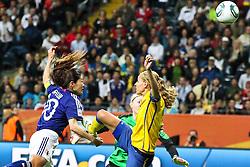 13.07.2011, Commerzbank Arena, Frankfurt, GER, FIFA Women Worldcup 2011, Halbfinale,  Japan (JPN) vs. Schweden (SWE), im Bild.Tor zum 2:1 durch Homare Sawa (Japan) (M) gegen Charlotte Rohlin (Schweden) und Hedvig Lindahl (Schweden) Torwart.. // during the FIFA Women´s Worldcup 2011, Semifinal, Japan vs Sweden on 2011/07/13, Commerzbank Arena, Frankfurt, Germany.   EXPA Pictures © 2011, PhotoCredit: EXPA/ nph/  Mueller       ****** out of GER / CRO  / BEL ******