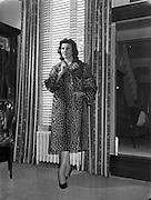 24/09/1958<br /> 09/24/1958<br /> 24 September 1958<br /> Fur Fashion Show at Barnados, Grafton Street, Dublin.