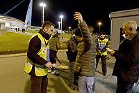 Controlli degli stewards con metal detector ai cancelli d'ingresso,<br /> Torino 21-11-2015, Juventus Stadium, Football Calcio 2015/2016 Serie A, Juventus - Milan, Foto Filippo Alfero/Insidefoto