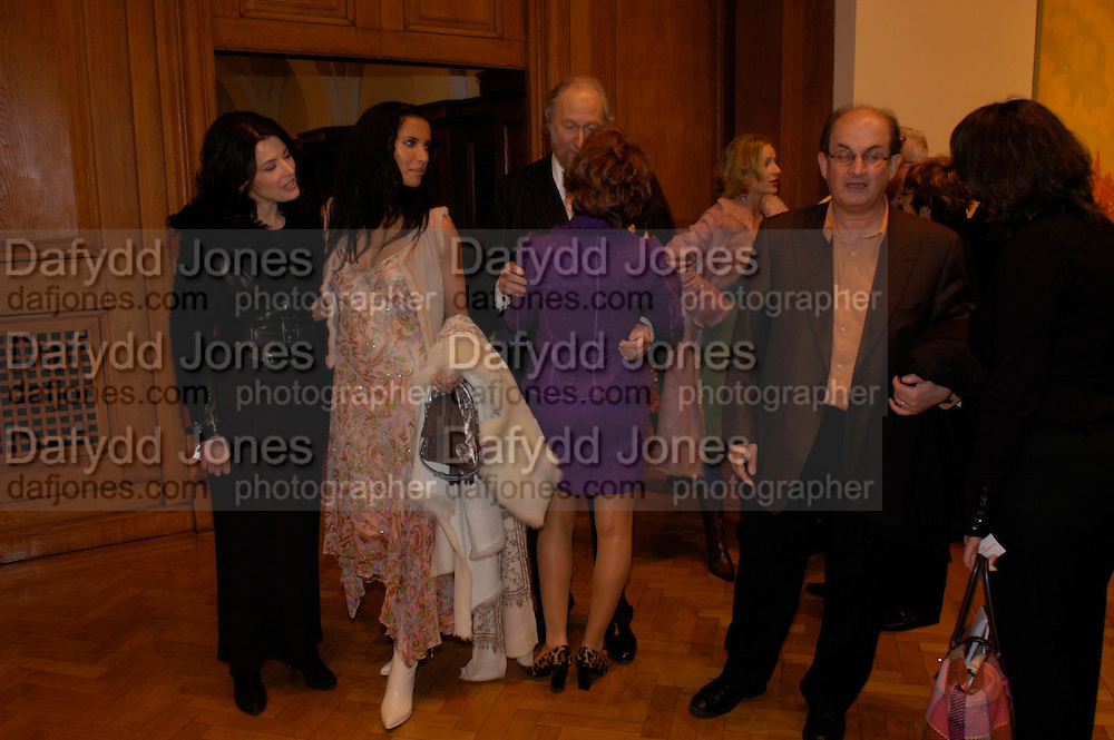 Nigella Lawson, Padma Lashkmi, Kathy Lette and Salman Rushdie. the Triumph of Painting. Part 1. The Saatchi Gallery. 25 January 2005. ONE TIME USE ONLY - DO NOT ARCHIVE  © Copyright Photograph by Dafydd Jones 66 Stockwell Park Rd. London SW9 0DA Tel 020 7733 0108 www.dafjones.com