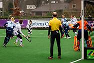LAREN -  Hockey Hoofdklasse Dames: Laren v Pinoké, seizoen 2020-2021. Foto: Aanval Pinoké