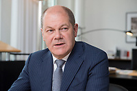 25 JUN 2018, BERLIN/GERMANY:<br /> Olaf Scholz, SPD, Bundesfinanzminister, waehrend einem Interview, in seinem Buero, Bundesministerium der Finanzen<br /> IMAGE: 20180625-02-016<br /> KEYWORDS: Büro