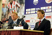 Fotball<br /> Nederland<br /> Foto: ProShots/Digitalsport<br /> NORWAY ONLY<br /> <br /> seizoen 2006 / 2007 , eindhoven 17-09-2006 psv - feyenoord 2-1 ronald en erwin koeman