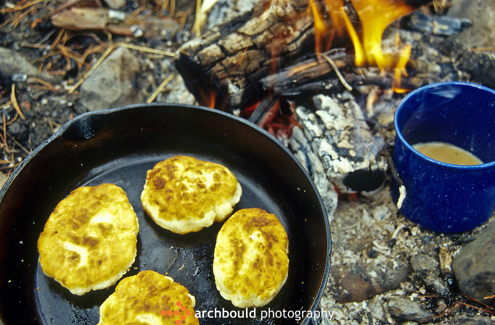 Bannock and tea over the campfire.