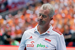 15-09-2019 NED: EC Volleyball 2019 Netherlands - Poland, Rotterdam<br /> First round group D - Poland win 3-0 / Coach Vital Heynen of Poland