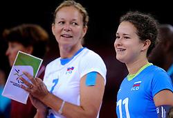 01-09-2012 ZITVOLLEYBAL: PARALYMPISCHE SPELEN 2012 USA - SLOVENIE: LONDEN.In ExCel South Arena wint USA van Slovenie / Anita GOLTNIK URNAUT, Lena GABRSCEK.©2012-FotoHoogendoorn.nl.