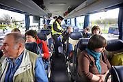 Nederland, A1, 1-4-2010Grenscontrole door de Douane en Marechaussee aan de grens met Duitsland.Foto: Flip Franssen/Hollandse Hoogte