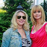 NLD/Amsterdam/20110525 - Presentatie The Luery List #1, Fiona Hering, Daphne Decker