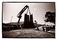 Le sculpteur André Raboud <br /> en 2017 lors de la pose de la sculpture monumentale Les Amants 6 à Monthey / Omaire en 2020<br /> Art sculpture pierre artiste<br /> Project terre rare, connecté a la terre<br /> #photoargentique #noiretblanc #noiretblancphotographie #blackandwhite #blackandwhitephotography #photoargentique #photographieargentique #leica #leicamp #ilford #labophoto #terrerare #terresrares #terrerareprojet @omaire. <br /> (STUDIO_54/ OLIVIER MAIRE)