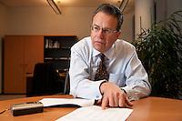 09 JAN 2009, BERLIN/GERMANY:<br /> Frank-Juergen Weise, Praesident der Bundesanstalt fuer Arbeit, BfA, waehrend einem Interview, in seinem Buero, Bundesanstalt fuer Arbeit Berlin<br /> IMAGE: 20090109-02-052<br /> KEYWORDS: Frank-Jürgen Weise