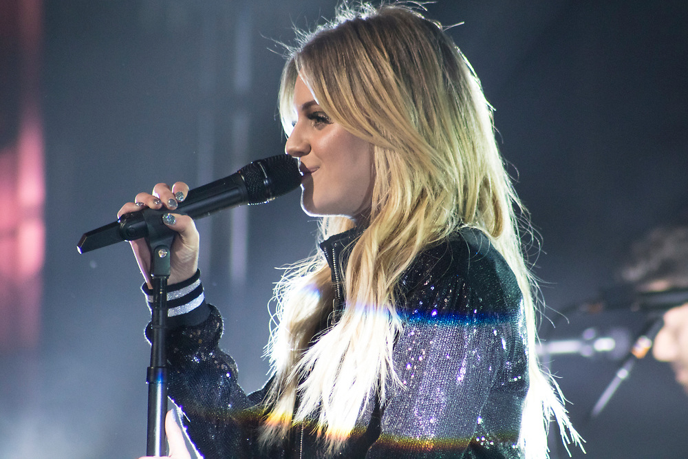 Kelsea Ballerini performs at The Riverside Theater in Milwaukee, WI on February 23, 2018.