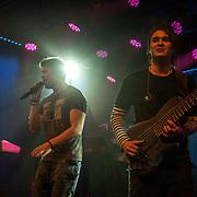 Trollhättan 2016 10 29 Folkets Hus<br /> Trollhättans jazz och blues festival<br /> Dirty Loops<br /> Jonah Nilsson vocals<br /> Henrik Linder bass guitar<br /> <br /> ----<br /> FOTO : JOACHIM NYWALL KOD 0708840825_1<br /> COPYRIGHT JOACHIM NYWALL<br /> <br /> ***BETALBILD***<br /> Redovisas till <br /> NYWALL MEDIA AB<br /> Strandgatan 30<br /> 461 31 Trollhättan<br /> Prislista enl BLF , om inget annat avtalas.