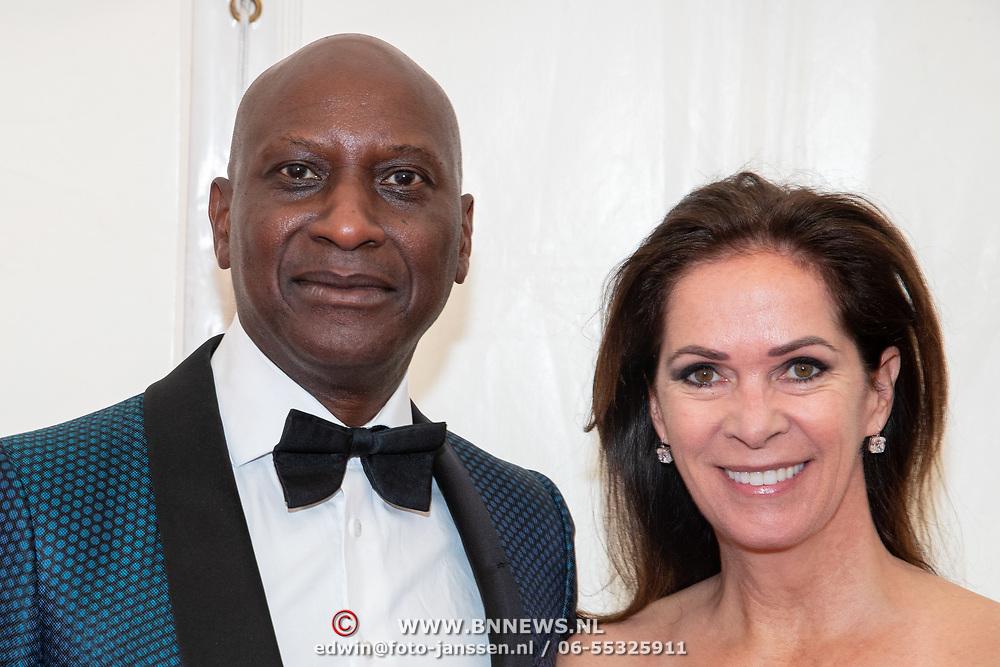 NLD/Amsterdam/201905225 - Amsterdamdiner 2019, Annemarie van Gaal en partner Rhandy Macnack