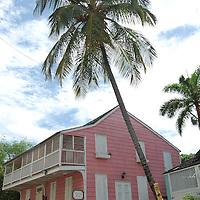 BALCONY HOUSE - TRAVEL STOCK PHOTOS OF THE BAHAMAS
