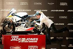 05.04.2010, Teatro Compac Gran Via, Madrid, ESP, Präsentation, Team Jack and Jones by Antonio Banderas Racing, im Bild Der spanische Hollywood-Star  Antonio Banderas stellte sein Team sein eigenes Motorrad Team - Jack & Jones by Antonio Banderas Racing - in der spanischen Metropole der Öffentlichkeit und den Medienvertretern vor. Banderas selbst besitzt fünf Motorräder. In seiner Freizeit fährt er gerne eine schwere Harley-Davidson. Die Maschine war ein Geschenk von US-Schauspielerin Melanie Griffith (52), mit der er seit 1996 verheiratet ist. In der neuen Moto2-Klasse gehen Viertakt-Maschinen mit Honda-Motoren an den Start, EXPA Pictures © 2010, PhotoCredit: EXPA/ Alterphotos/ ALFAQUI/ Cesar Cebolla / SPORTIDA PHOTO AGENCY