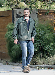 EXCLUSIVE: Gerard Butler looks stressed as he and girlfriend emerge from home with smoke and fire in luxury Malibu Home. 10 Nov 2018 Pictured: Gerard Butler. Photo credit: APEX / MEGA TheMegaAgency.com +1 888 505 6342
