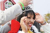 """Mayor Joe Gunter crowns Rocio Tafoya """"Señorita El Grito 2015"""" during Sunday's festival in Salinas."""