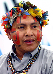 Dionito Makuxi, da tribo Makuxi, de Roraima veio pela primeira vez ao II Forum Social Mundial que acontece em Porto Alegre. FOTO: Jefferson bernardes