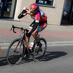 28-02-2015: Wielrennen: Omloop het Nieuwsblad: Gent<br />GENT (Bel): De omloop het Nieuwsblad is de openingskoers in BeNeLux.  De wedstrijd door de Vlaamse Ardennen is bij de vrouwen dit jaar aan zijn 10e editie toe.<br />Ellen van Dijk