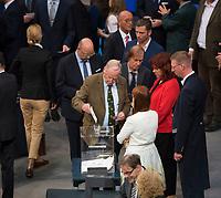 DEU, Deutschland, Germany, Berlin, 24.10.2017: Alexander Gauland, Vorsitzender der Bundestagsfraktion der Partei Alternative für Deutschland (AfD), bei der konstituierenden Sitzung des 19. Deutschen Bundestags mit Wahl des Bundestagspräsidenten.