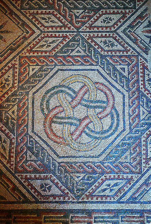 Close up picture of the Roman mosaics of the Room with Star Shaped Decorations depicting a braid geometric mosaic patterns, room no 18 at the Villa Romana del Casale, first quarter of the 4th century AD. Sicily, Italy. A UNESCO World Heritage Site. .<br /> <br /> If you prefer to buy from our ALAMY PHOTO LIBRARY  Collection visit : https://www.alamy.com/portfolio/paul-williams-funkystock/villaromanadelcasale.html<br /> Visit our ROMAN MOSAICS  PHOTO COLLECTIONS for more photos to buy as buy as wall art prints https://funkystock.photoshelter.com/gallery/Roman-Mosaics-Roman-Mosaic-Pictures-Photos-and-Images-Fotos/G00008dLtP71H_yc/C0000q_tZnliJD08