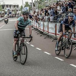 12-05-2018: Wielrennen: Ronde van Overijssel: Rijssen<br />  De 66e Ronde van Overijssel is gewonnen door Piotr Havik (Beat cycling). De renner van Beat Cycling Club bleef Harry Tanfield (Eisberg-Canyon) voor in de straten van Rijssen.