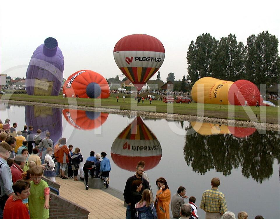 980626 hardenberg ballonfestival aan de vecht...fotoburo uijlenbroek©1998/nico van maanen