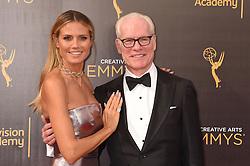 Heidi Klum; Tim Gunn bei der Ankunft zur Verleihung der Creative Arts Emmy Awards in Los Angeles / 110916 <br /> <br /> *** Arrivals at the Creative Arts Emmy Awards in Los Angeles, September 11, 2016 ***
