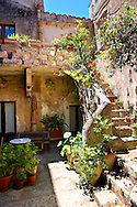 Courtyard of a house in Érice, Erice, Sicily stock photos. .<br /> <br /> Visit our SICILY PHOTO COLLECTIONS for more   photos  to download or buy as prints https://funkystock.photoshelter.com/gallery-collection/2b-Pictures-Images-of-Sicily-Photos-of-Sicilian-Historic-Landmark-Sites/C0000qAkj8TXCzro<br /> <br /> <br /> Visit our MEDIEVAL PHOTO COLLECTIONS for more   photos  to download or buy as prints https://funkystock.photoshelter.com/gallery-collection/Medieval-Middle-Ages-Historic-Places-Arcaeological-Sites-Pictures-Images-of/C0000B5ZA54_WD0s