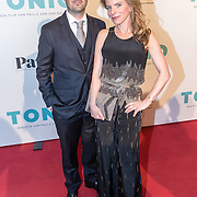 NLD/Amsterdam/20161005 - Filmpremiere Tonio, Rosa Reuten en partner Guy Clemens