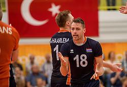 24-09-2016 NED: EK Kwalificatie Nederland - Wit Rusland, Koog aan de Zaan<br /> Nederland wint na een 2-0 achterstand in sets met 3-2 / Robbert Andringa #18