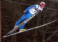 Hopp, 21. desember 2002. Verdenscup Engelberg,Sigurd Pettersen, Norge<br />Foto: Raphael Nadler, Digitalsport
