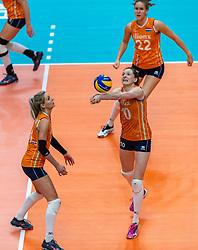 20-10-2018 JPN: Final World Championship Volleyball Women day 18, Yokohama<br /> China - Netherlands 3-0 / Laura Dijkema #14 of Netherlands, Lonneke Sloetjes #10 of Netherlands