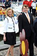 Koninginnedag 2008 / Queensday 2008. <br /> <br /> Koningin Beatrix viert Koninginnedag dit jaar in Friesland. De vorstin en haar familie bezochten op 30 april Makkum en Franeker.<br /> <br /> Queen Beatrix celebrates Queensday this year in Friesland (the Nothren provice in Holland). The Queen and its family visited Makkum and Franeker on 30 April.<br /> <br /> Op de foto/ On the Photo:<br /> <br /> <br /> Princes Mabel and Prince Friso