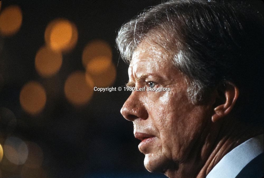 Carter announces Olympic Boycott