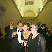 Tracey Emin and her parents Invar emin and Pam. Turner prize. tate. 1 December 1999. 1997. © Copyright Photograph by Dafydd Jones 66 Stockwell Park Rd. London SW9 0DA Tel 020 7733 0108 www.dafjones.com