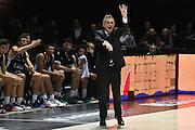 DESCRIZIONE : Bologna Lega A 2015-16 Obiettivo Lavoro Bologna Pasta Reggia Caserta<br /> GIOCATORE : Giorgio Valli<br /> CATEGORIA : allenatore coach esultanza<br /> SQUADRA : Obiettivo Lavoro Bologna<br /> EVENTO : Campionato Lega A 2015-2016<br /> GARA : Obiettivo Lavoro Bologna Pasta Reggia Caserta<br /> DATA : 02/11/2015<br /> SPORT : Pallacanestro <br /> AUTORE : Agenzia Ciamillo-Castoria/G.Ciamillo<br /> Galleria : Lega Basket A 2015-2016<br /> Fotonotizia : Bologna Lega A 2015-16 Obiettivo Lavoro Bologna Pasta Reggia Caserta