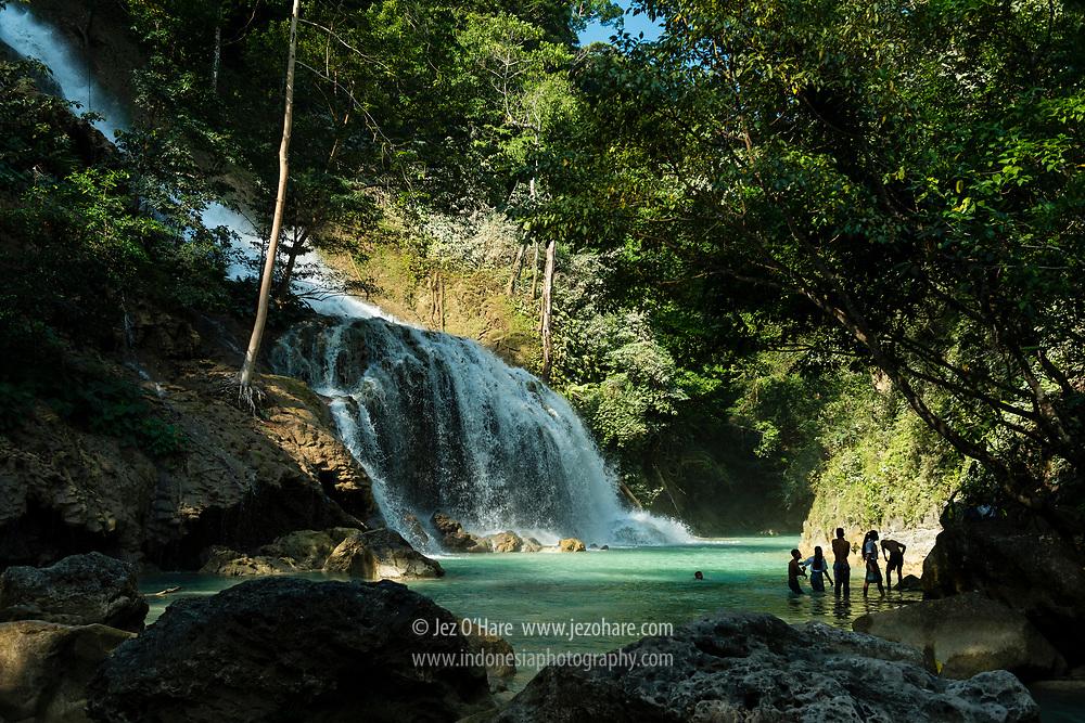 Air Terjun Lapopu, (PLTA) Taman Nasional Manupeu-Tanah Daru, Sumba Barat, Nusa Tenggara Timur, Indonesia