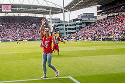 16-08-2017 NED: Huldiging Dafne Schippers bij FC Utrecht, Utrecht<br /> Dafne Schippers werd in stadion Nieuw Galgenwaard gehuldigd.