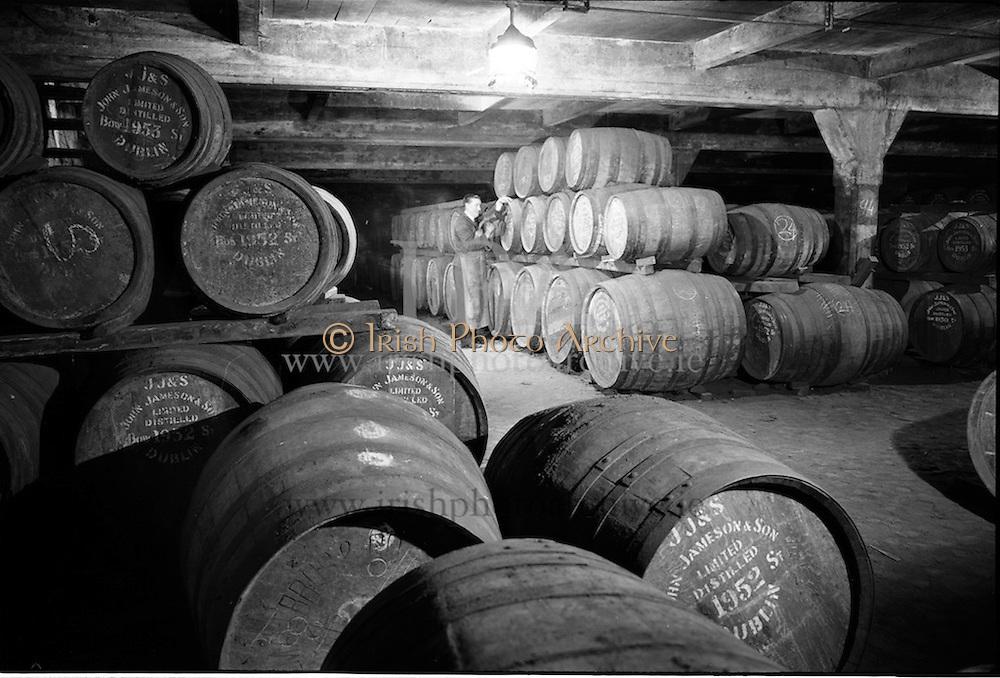 30/08/1963<br /> 08/30/1963<br /> 30 August 1963<br /> Jameson Distillery, interior views of cask storage at Bow Street, Anne Street and 2 Amiens Street, Jameson's, Irish, Whiskey, jameson,